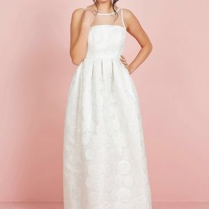Romantic flirty wedding dress with pockets